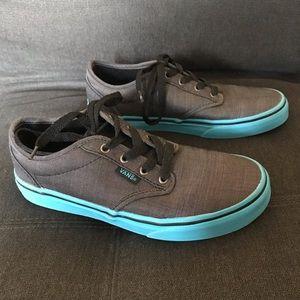 Vans Youth Skater Shoe Sz 4 Grey w/blue-teal sole